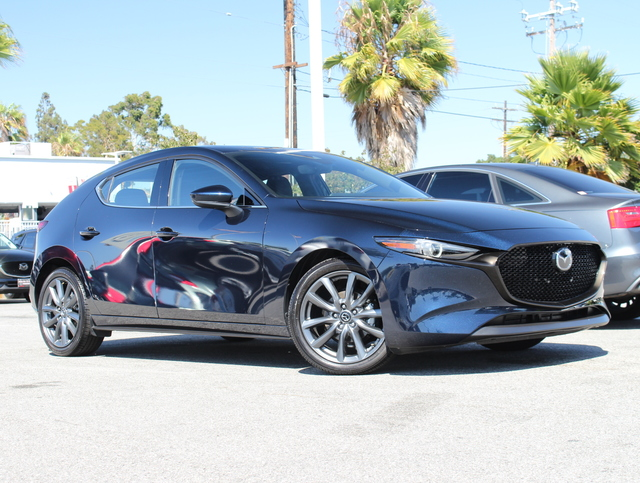 Certified Pre-Owned 2019 MAZDA MAZDA3 Hatchback FWD Auto