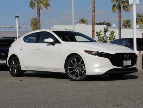 Certified Pre-Owned 2019 MAZDA MAZDA3 Hatchback FWD Auto w/Preferred Pkg